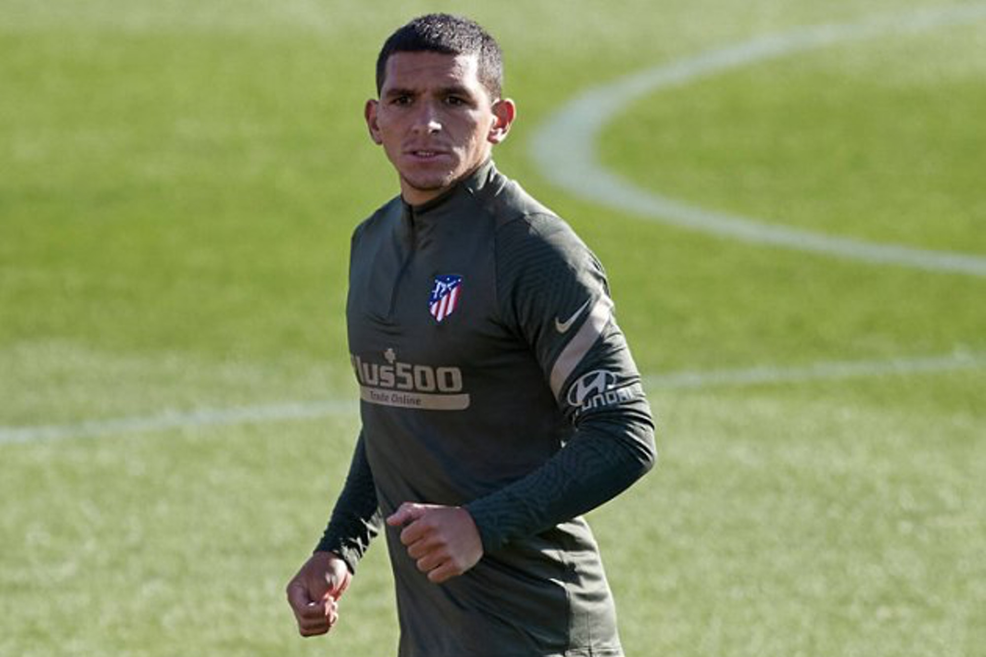 Arsenal midfielder Lucas Torreira wanted by Fiorentina