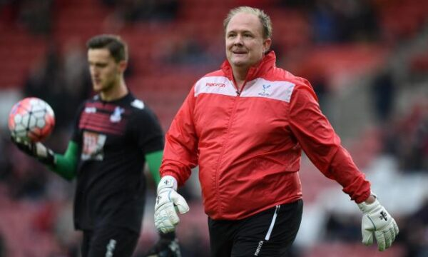 Arsenal keeper chief Woodman quits to manage Bromley