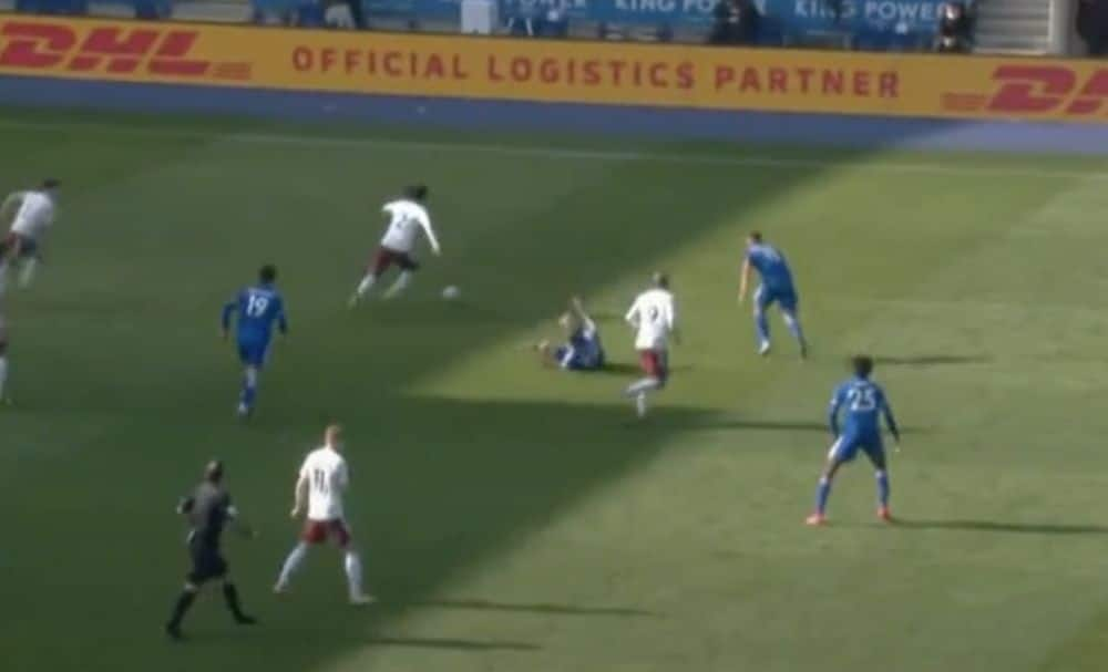 Video: Arsenal star wrong-foots Timothy Castange in savage turn of skill