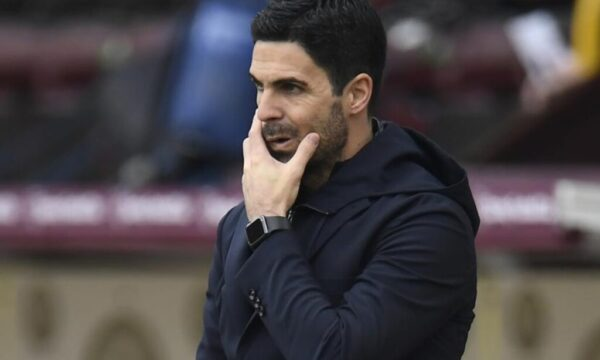 Video: Arsenal 'absolutely' should have had a penalty claims Arteta