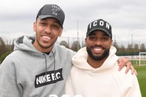 Arsenal star presents Aubameyang with special gift after career milestone